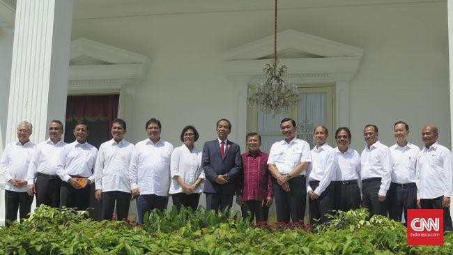 Untuk kedua kali Presiden Joko Widodo merombak kembali kabinetnya. Beberapa menteri diganti dan digeser.