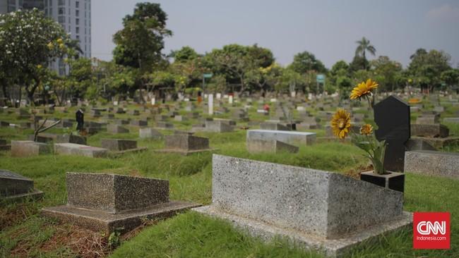 TPU Khusus Covid di Bandung Dipadati Peziarah saat Idulfitri