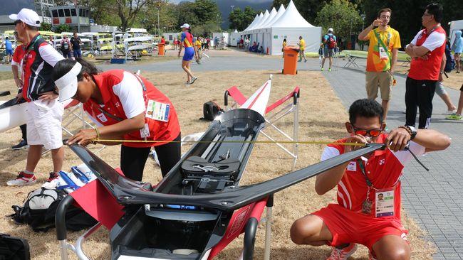 Atlet Dayung terbaik Maluku La Memo mengeluhkan asupan nasi kotak selama latihan menjelang Pekan Olahraga Nasional (PON) XX Papua.