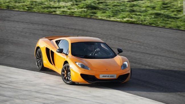 Di Inggris, tiga supercar yaitu Ferrari, Lamborghini dan McLaren diamankan polisi lantaran berperilaku antisosial terhadap lalu lintas sekitarnya.