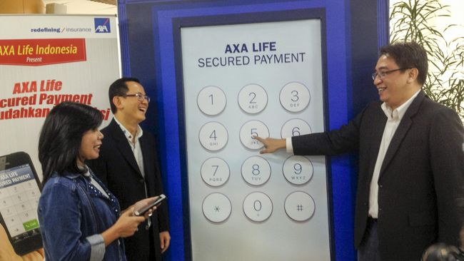 OJK mencabut izin usaha perusahaan asuransi jiwa, PT AXA Life Indonesia lantaran perusahaan menggabungkan bisnisnya ke PT AXA Financial Indonesia.