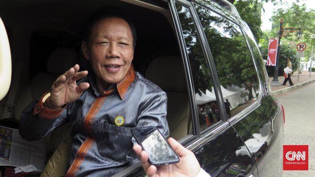 Mantan Gubernur DKI Jakarta Sutiyoso resmi bergabung dengan Partai Nasdem dan masuk menjadi anggota dewan pertimbangan.