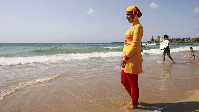 Wanita Muslim Dipaksa Lepas Jilbab Di Pantai Perancis
