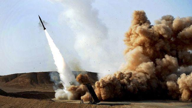 Kementerian Pertahanan Iran menuturkan pihaknya telah menguji coba peluncuran roket satelit baru berbahan bakar padat yang diklaim