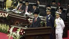 Jokowi Gelontorkan Dana Perlindungan Sosial Rp419 T pada 2021