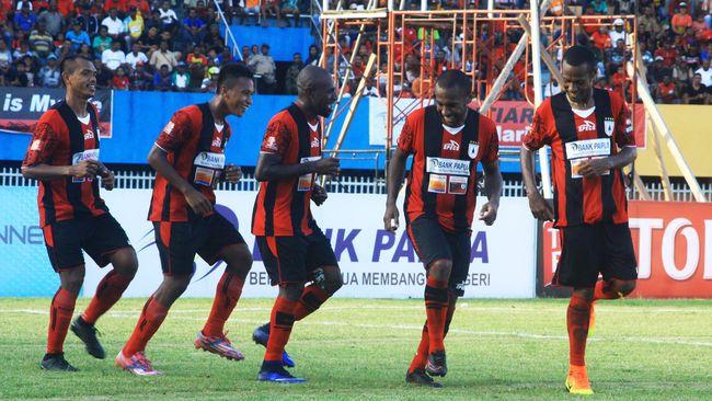 Skuat berjulukan Mutiara Hitam mampu menumbangkan Semen Padang 2-0 di Stadion Mandala. Hasil ini menjadikan Persipura sukses menebus revans di putaran kedua.