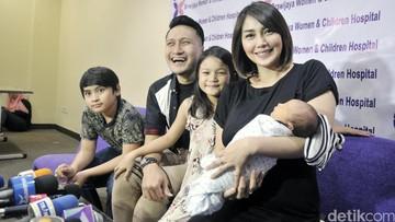 Bekerja dan Punya 3 Anak, Ini Tips Fenita Arie Seimbangkan Waktu