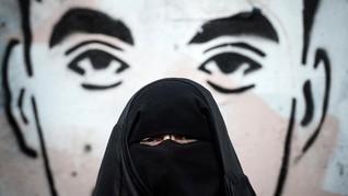 Dalih Keamanan, Tunisia Larang Niqab di Kantor Pemerintah