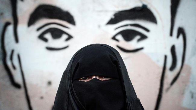 Saat Cadar Jadi Stigma, Niqab Squad Pilih Pakai Masker