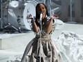 'Alis Segaris' Rihanna Hiasi Sampul Majalah Fesyen Inggris