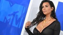 Kim K Nongkrong Sambil Makan Sushi Usai Gugat Cerai Kanye
