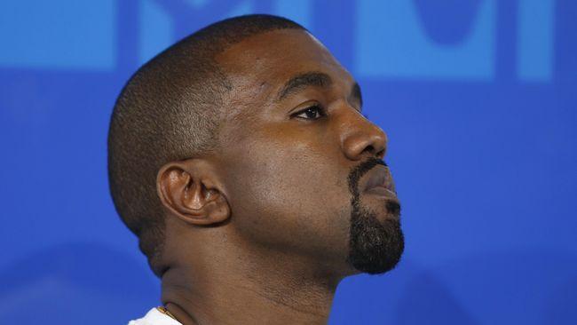 Kanye West ingin Frank Ocean dengan dua karya barunya, Blonde dan Endless mendapat nominasi di Grammy Awards 2017.