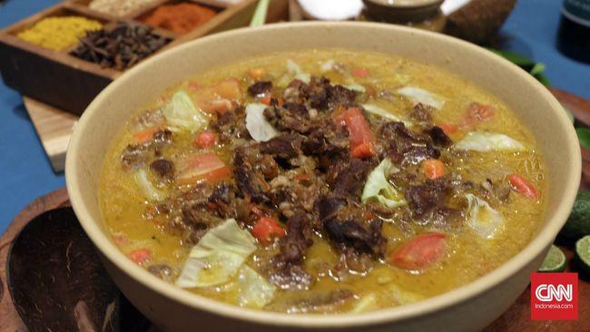 Tongseng kambing menjadi salah satu resep makanan tradisional yang kerap disajikan untuk mengolah daging kambing kurban. Berikut resepnya untuk Anda.