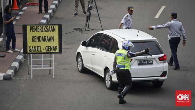 Polisi meminta Gubernur DKI Anies Baswedan mengevaluasi sistem Ganjil-Genap di beberapa ruas jalan Jakarta karena penambahan volume kendaraan.