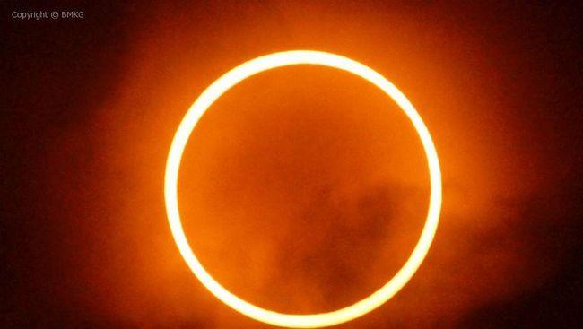 Fenomena gerhana matahari cincin akan menyambangi beberapa wilayah di Indonesia pada 26 Desember 2019.