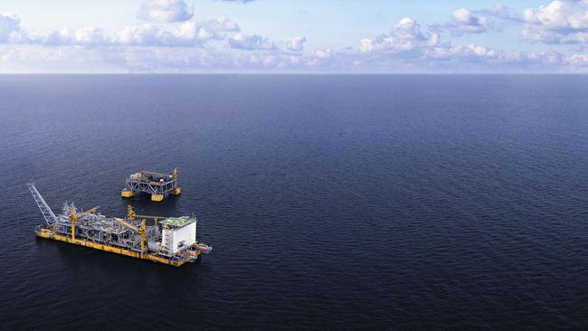 Chevron akan membeli Noble Energy senilai US$5 miliar setara Rp70 triliun. Kesepakatan ini menjadi transaksi terbesar industri energi di era corona.