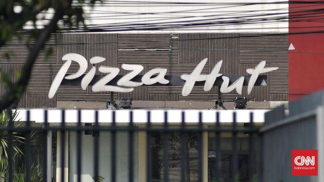 Restaurant Pizza Hut di Jalan Matraman, Jakarta, Minggu, 4 September 2016. CNN Indonesia/Djonet Sugiarto