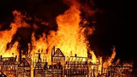 Rumah Ketua DPR Dilalap Api hingga Sebagian Hangus Terbakar