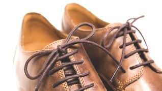 Sepatu Moncong Sepanjang 75 cm Bantu Jaga Jarak Fisik