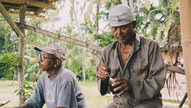 Isu penggusuran lahan hijau atas nama turisme semakin meresahkan di Bali. Dokumentaris asal Inggris mencoba mengungkapkan lewat film 'Sawah'.