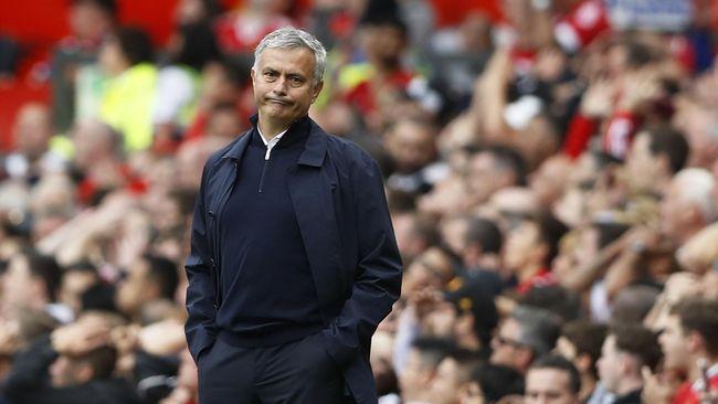 Tidak semua mobil Jose Mourinho dibeli sendiri, salah satu koleksinya diberikan oleh bos Chelsea, Abramovich.