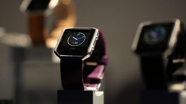 Fitbit memutuskan untuk mengalihkan hampir semua lini produksi jam tangan pintar dan pelacak kesehatan dari China menyusul perang dagang dengan Amerika Serikat.