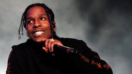 A$AP Rocky Jalani Natal Bersama Keluarga Rihanna di Barbados
