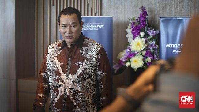 Pemkab Karawang akan merelokasi pedagang pasar beras Johar ke Pasar Induk Modern Berkarya milik Tommy Soeharto.