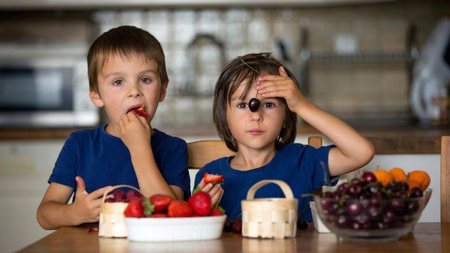 Peneliti menemukan alat makan yang bisa membantu anak-anak jadi lebih suka makan sayur. Taste Buddy akan membuat sayur terasa manis seperti cokelat.