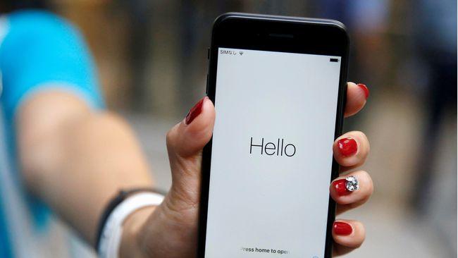 Meski telah menonaktifkan Airplane Mode, ponsel tidak dapat mendeteksi sinyal seluler.