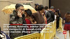 Ratusan Orang Mengantre Demi iPhone 7