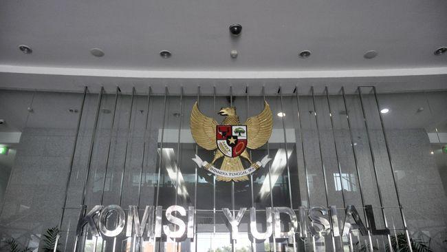 Calon Hakim Agung Aviantara ditanya soal pemotongan hukuman Jaksa Pinangki dan Djoko Tjandra saat wawancara seleksi hakim agung oleh Komisi Yudisial.