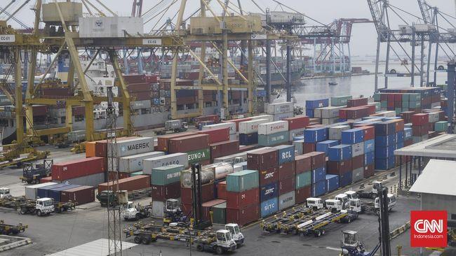 Pemerintah akan menggabungkan Pelindo I,II,III dan IV. Salah satu tujuannya, memperbaiki arus logistik supaya lebih efisien.