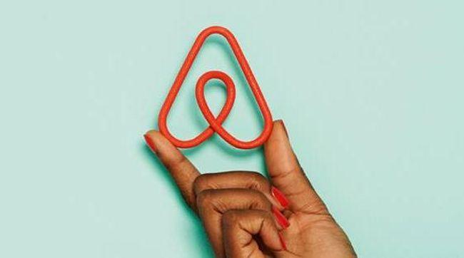Airbnb resmi melantai di bursa saham Wall Street pada Kamis, (10/12), dengan harga US$146 per lembar saham.
