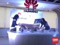 Kejar Bingkai Tipis, Huawei Akan Lubangi Layar
