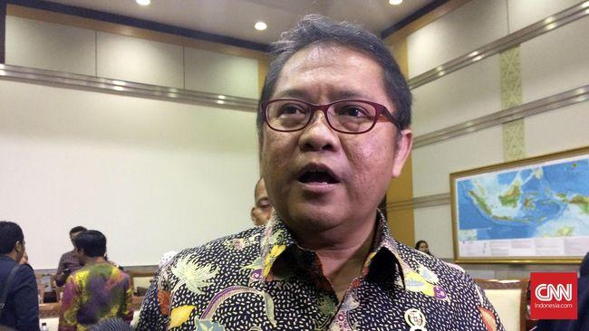 Menteri Komunikasi dan Informatika Rudiantara menanggapi pernyataan Presiden Joko Widodo terkait BlackBerry Messenger yang disebut 100 persen milik Indonesia.