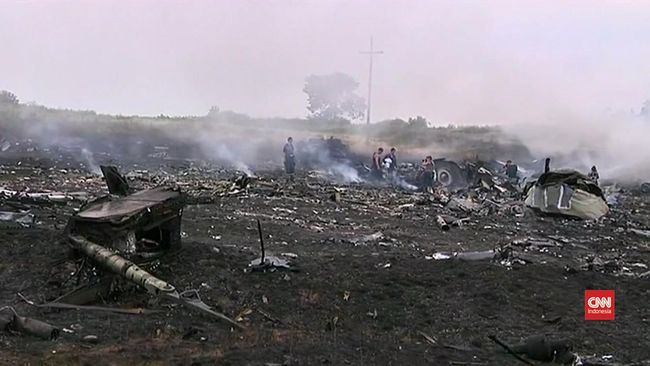 Hakim yang mengadili tersangka jatuhnya pesawat Malaysia Airlines MH17 pada 2014 lalu mengunjungi bangkai pesawat itu pada Rabu (26/5).