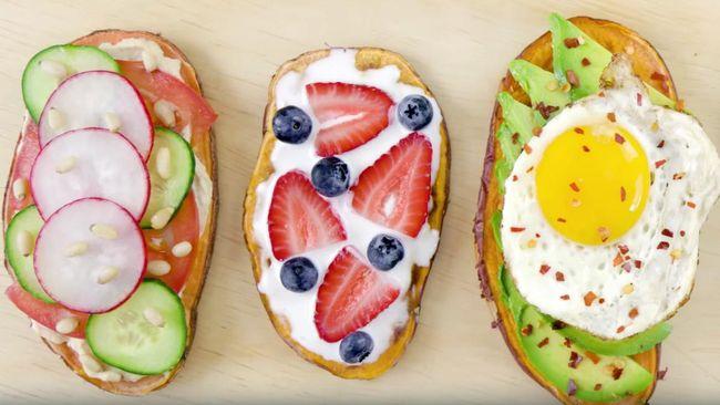 Ubi diiris tipis, macam roti, lalu dipanggang dan diberi aneka topping dari avokad sampai hummus. Cocok untuk sarapan.