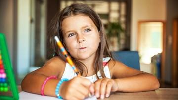 Ini tentang Anak yang Malas Mengerjakan PR Menjelang Libur