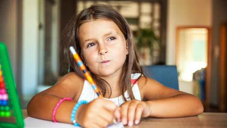 ilustrasi anak belajar