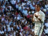 Ironi Kehebatan Ronaldo dan Suporter yang Lebay