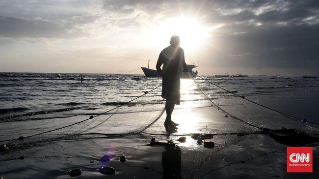 Tradisi sasi sudah dilakukan sejak zaman dahulu kala oleh masyarakat adat di Papua. Mereka sepakat tidak mengeksploitasi laut demi kelestarian alamnya.