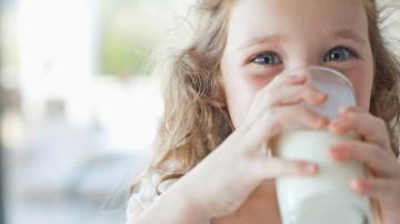 Cara Atasi Alergi Susu Sapi pada Anak