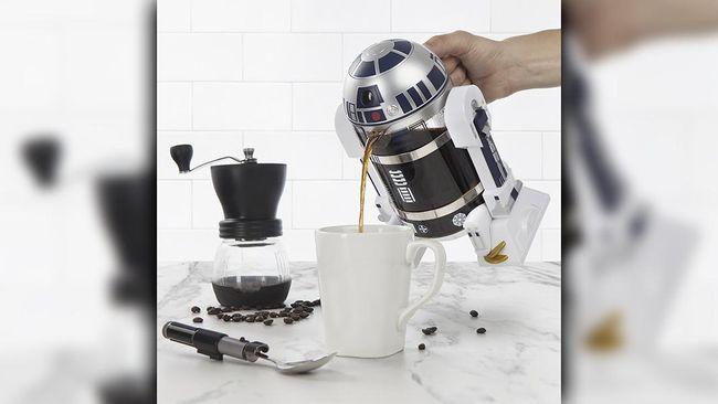 Jika Anda penggemar Star Wars dan kopi, maka Anda bisa memiliki R2-D2 cafetiere yang lucu. Alat pres kopi ini bisa menyimpan seliter kopi.