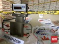Polisi Menduga Terdapat Puluhan Titik Pengoplosan Beras Bulog