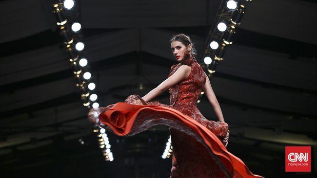 Koleksi batik Alleira yang dipertunjukkan di ajang Imperial Festival, sukses memikat para pencinta fesyen Slovakia.