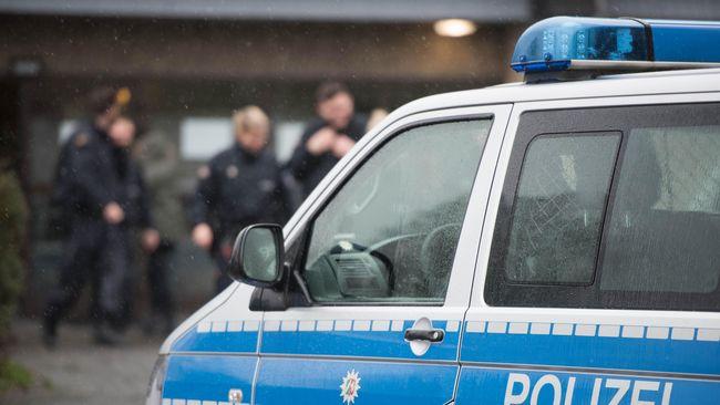 Tiga orang dilaporkan terluka akibat sebuah bom paket yang meledak di kantor pusat supermarket Lidl di Neckarsulm, barat Jerman.