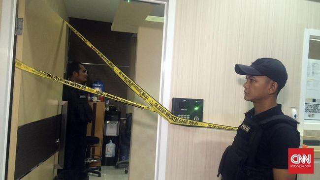 Presiden Jokowi dan Kapolri Jenderal Tito Karnavian disebut akan meninjau ke lokasi operasi tangkap tangan di Kementerian Perhubungan.