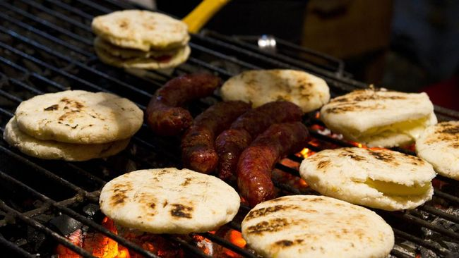 Dikenal sebagai salah satu negara dengan kuliner yang beragam, Kolombia memiliki beberapa makanan yang dikenal sebagai sarapan khas mereka.