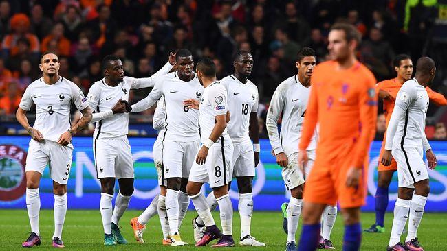 Paul Pogba membantah kabar pensiun dari timnas Prancis akibat pernyataan kontroversial Preside Prancis Emmanuel Macron terkait soal Islam.